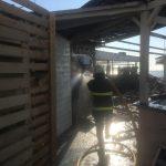Forcat zjarrfikëse të APD-së asistojnë në një rast zjarri në qytet