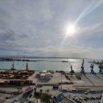 APD/Njoftim!  Vonesa në mbërritjen e trageteve në Portin e Durrësit, shkak era e fortë