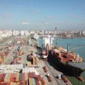 """Porti sot/ Përpunohen 369 konteinerë nga anija """"Luebeck"""""""
