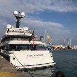 Dy jahte luksoze sot në portin më të madh të vendit/ 13 nëntor 2020